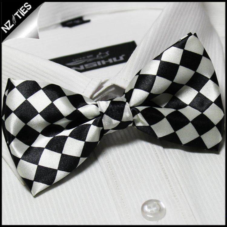 Black & White Harlequin Bow Tie