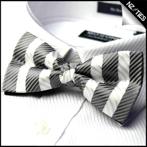 Mens Grey & White Zig Zag Stripes Bow Tie