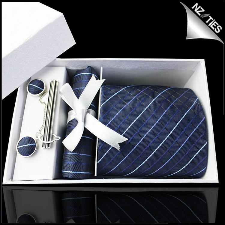Dark Blue & White Diamond Grids Tie Set